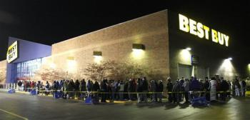 Shoppers wait for the opening of a Best Buy store for Black Friday deals early Friday morning Nov. 28, 2008 near Batavia, Ohio. (AP Photo/David Kohl)