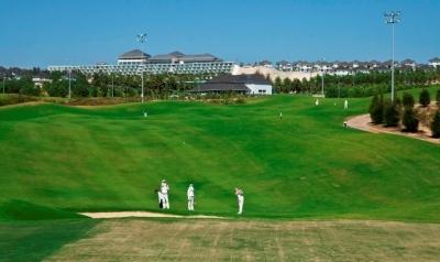 Royal Hill thuộc Sea Links City  một trong số khu phức hợp nghỉ dưỡng lớn đã có sự hoàn chỉnh về hạ tầng.