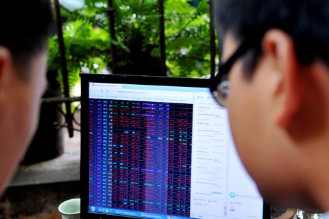 Nhà đầu tư tỏ ra thận trọng sau những diễn biến gần đây trên thị trường. Ảnh minh họa: Hoàng Hà