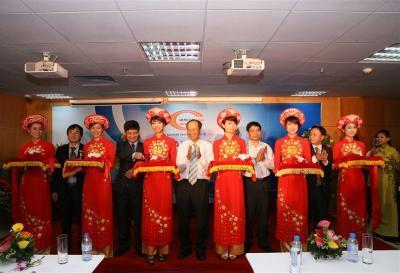 Lễ cắt băng khai trương sàn giao dịch Him Lam Land tại Hà Nội.