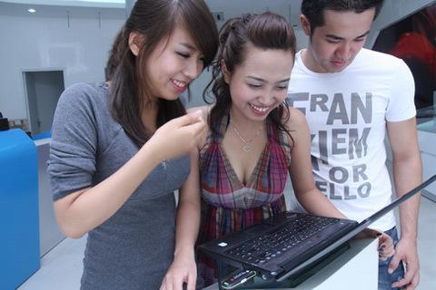 Các bạn trẻ có thể kiếm tiền nhờ trả lời survey online nhưng không nhiều. Ảnh chỉ có tính chất minh họa
