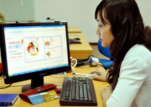 Dân công sở ghiền online shopping