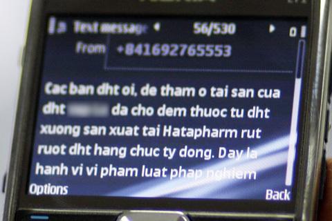 Một tin nhắn nặc danh được gửi đến cổ đông của Dược Hà Tây. Ảnh: T.H