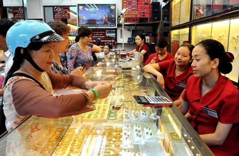 Giá vàng trong nước thẳng tiến 30 triệu đồng