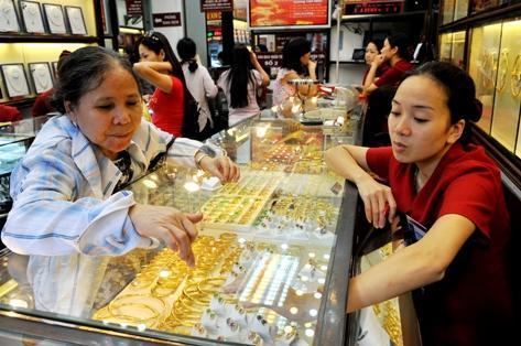 Giá vàng phi mã lên 30,5 triệu đồng