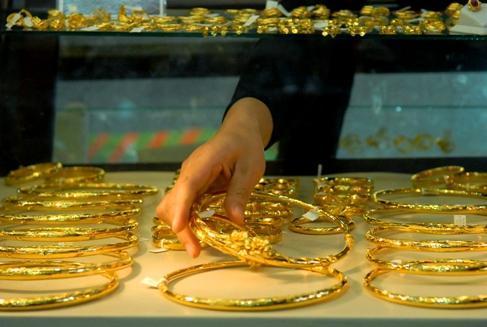Giá vàng mất khoảng vài chục nghìn đồng cuối tuần. Ảnh: Hoàng Hà