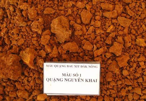 Mẫu quặng nguyên khai tại Đăk Nông, nguồn nguyên liệu phục vụ cho Nhà máy Alumin Nhân Cơ