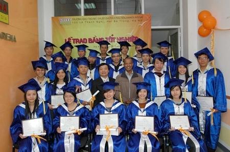 Các bạn học viên đã hoàn thành tốt khoá học và nhận được bằng tốt nghiệp.