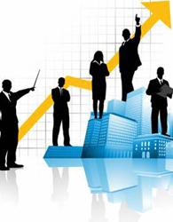 Con người là yếu tố quan trọng đối với thành công của doanh nghiệp. Ảnh: Lệ Chi