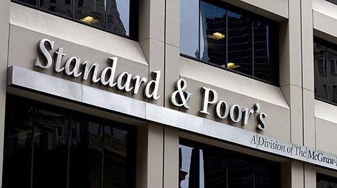 S&P là hãng xếp hạng tín nhiệm thứ 3 hạ bậc Việt Nam trong năm 2010.