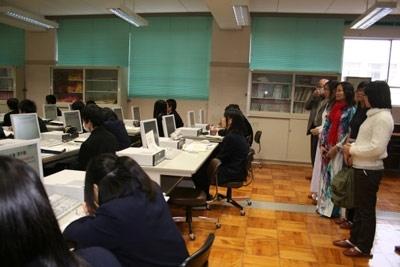 Đoàn Hành trình Tri thức Đông Du thăm trường THPT Fukuroi Nhật Bản.