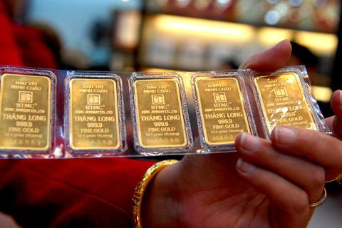 Các chuyên gia đều cho rằng, không nên cấm kinh doanh vàng miếng, mà nên siết chặt quản lý. Ảnh minh họa: Hoàng Hà