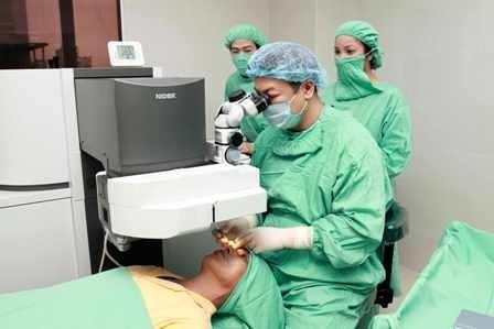 Phẫu thuật Lasik.