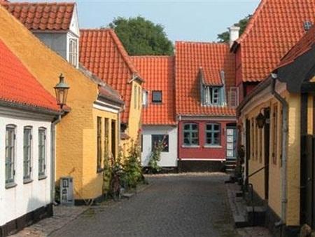 Đan Mạch được xếp thứ hạng cao về mức độ hài lòng của người dân và số lượng tòa nhà đạt chuẩn chất lượng quốc tế.