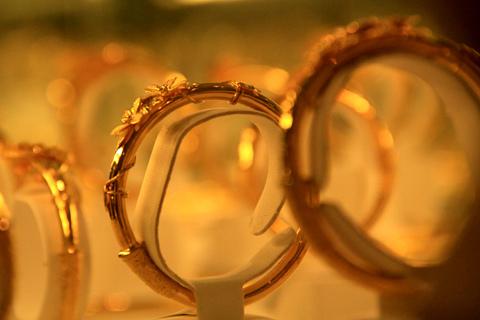Giá vàng chốt tuần ở 38 triệu đồng một lượng. Ảnh minh họa: Tuệ Minh