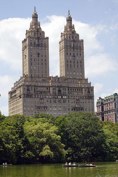 Tòa nhà The San Remo, New York.