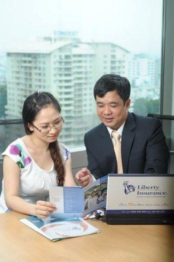 Khách hàng sẽ được tặng phiếu xăng nếu mua bảo hiểm của Liberty qua điện thoại hoặc website.