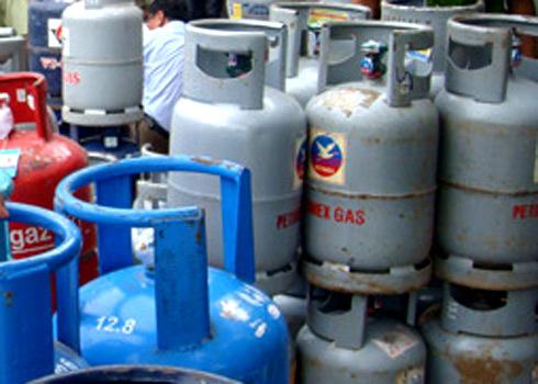 Giá gas giảm 9.000 đồng bình 12 kg từ sáng mai. Ảnh: K.T