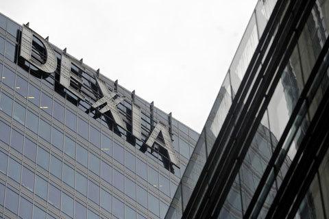 Dexia-nạn nhân đầu tiên của cuộc khủng hoảng nợ công châu Âu. Ảnh; Bloomberg.com