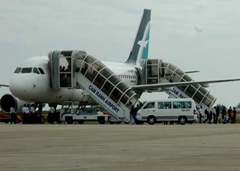 Sân bay quốc tế Cam Ranh-nơi máy bay ATR 72 từ TP Hồ Chí Minh về Chu Lai(Quảng Nam) hạ cánh xuống đây vào đầu giờ chiều nay (Ảnh mang tính minh họa). Ảnh: T.B