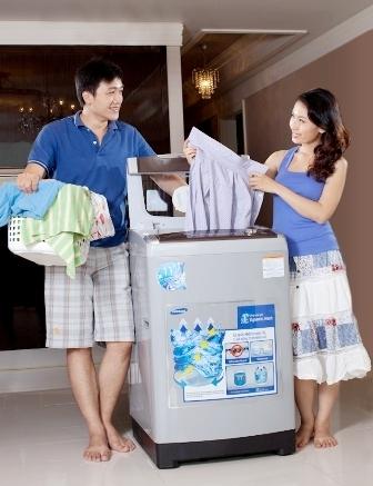 Với máy giặt 3D Samsung, quần áo sẽ không còn bị xoắn, rối và thắt vào nhau sau khi giặt.