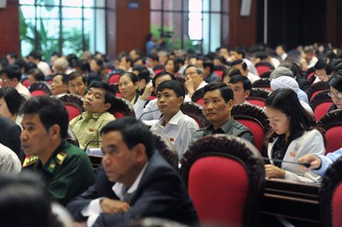 Quốc hội giao Chính phủ hoàn thành đề án tái cơ cấu nền kinh tế và báo cáo vào kỳ họp thứ ba. Ảnh: Hoàng Hà