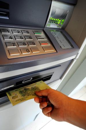 Một ngân hàng cho biết có 6 trường hợp nghi ngờ bị trộm thông tin trong tuần qua. Ảnh minh họa: Hoàng Hà