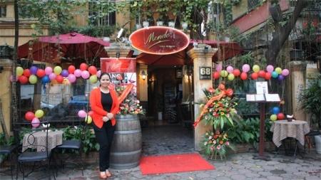 Bà Nguyễn Thúy Lan, Phó tổng giám đốc hệ thống nhà hàng Mondo trong ngày khai Trương Mondo 68 Quán Sứ, Hà Nội.