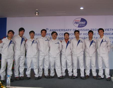 5. Đội ngũ kỹ sư trẻ với trình độ tay nghề cao được Nissan đào tạo tại nhiều chương trình tu nghiệp tại Nhật trở về làm việc tại Trung tâm nghiên cứu kỹ thuật ô tô Hoà Lạc.