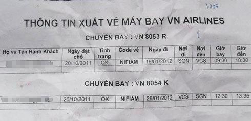 Vé của chuyến bay VN 8054 K của hành khách nhưng khi check-in thì được báo là hết chỗ. Ảnh: Kiên Cường