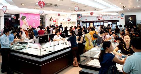 PNJ luôn nhận được sự tin tưởng và ủng hộ của đông đảo khách hàng.