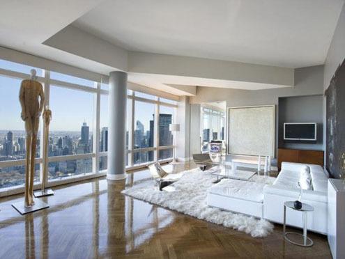 Căn penthouse thuộc Time Warner Center này có giá 60 triệu USD. Việc quản lý căn áp mái này được thực hiện bằng các thiết bị từ xa.