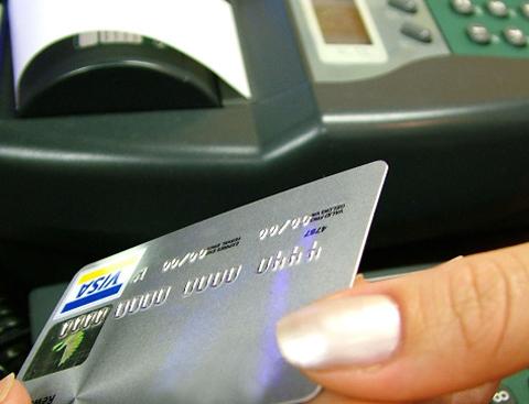 thẻ nhựa đã vượt ra khỏi giới hạn của các dịch vụ ngân hàng.