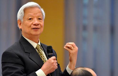 Ông Trần Xuân Giá là một trong số ít các lãnh đạo cấp cao sau khi về hưu vẫn tham gia nhiều hoạt động kinh tế cũng như xã hội.