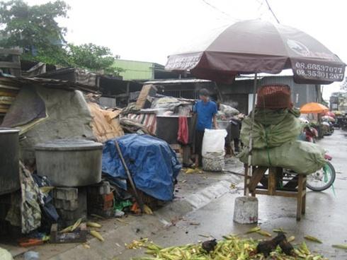 Bắp luộc tại hẻm 249 Tân Kỳ Tân Quý, quận Tân Phú - TP.HCM
