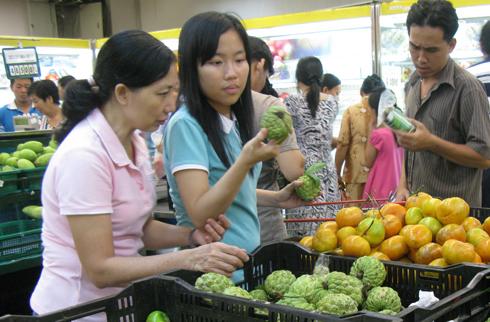 Giá thực phẩm đã kìm hãm CPI tháng 11 của Việt Nam. Ảnh: B.H