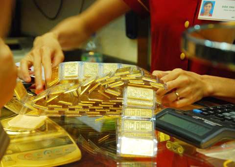 Lần đầu tiên các ngân hàng sẽ bị khống chế trạng thái vàng. Ảnh: AQ