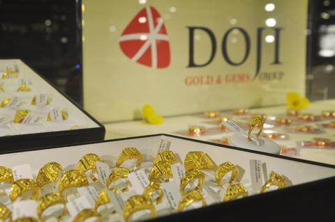 Giá vàng miếng đã giảm hơn 2 triệu đồng kể từ ngày đầu năm 2013 đến nay. Ảnh: AQ