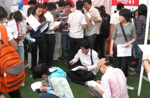 Có kỹ năng, kinh nghiệm vẫn... thất nghiệp, do đó nhiều lao động đã không kén việc và chấp nhận làm trái ngành nghề trong thời buổi tìm việc khó khăn.