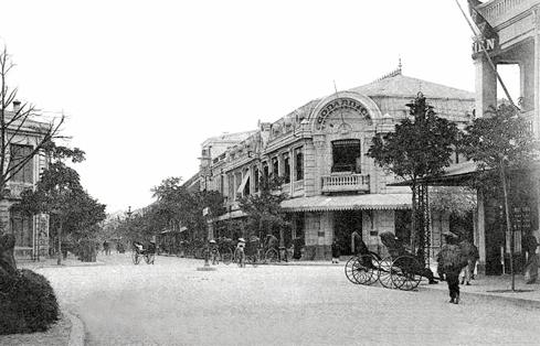 Phố Tràng Tiền cách đây hơn 100 năm.