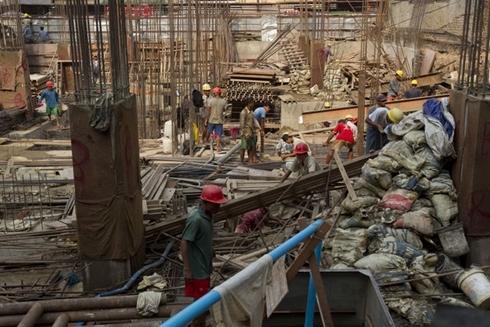 Lao động Myanmar lười và kém thích nghi hơn lao động Việt Nam. Ảnh: Bloomberf