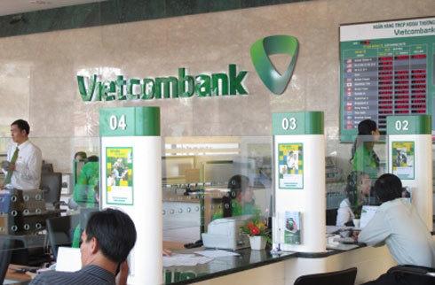 Vietcombank bắt đầu sử dụng bộ nhận diện thương hiệu mới từ 1/4, sau 50 năm trung thành với thiết kế cũ. Ảnh: Anh Quân