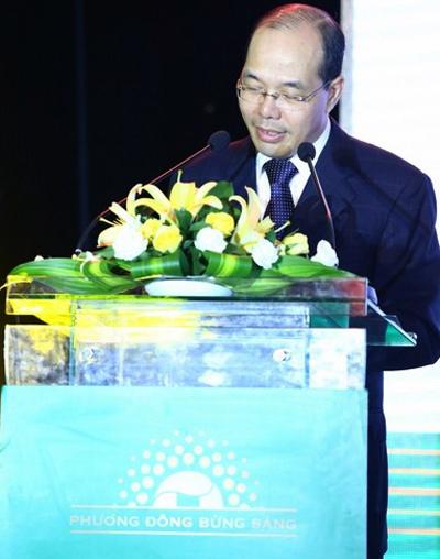 Chủ tịch Trịnh Văn Tuấn tuyên bố OCB chính thức triển khai hệ thống nhận diện thương hiệu mới từ 07/05/2013