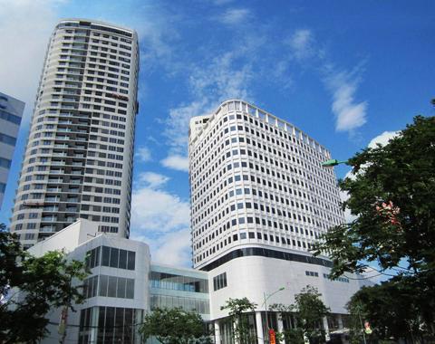 Dự án IPH bao gồm 2 tháp căn hộ với 386 căn hộ sang trọng, một tháp văn phòng với 18.000 m² diện tích văn phòng hạng A và năm tầng trung tâm thương mại (TTTM) có diện tích 14.000 m2.