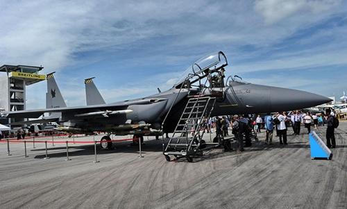 Boeing-2335-1379996020.jpg