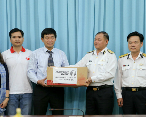 Maritime Bank chung tay ủng hộ chiến sĩ Trường Sa.