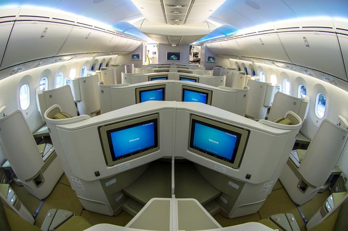 Bên trong máy bay Boeing 787-9 đầu tiên của Vietnam Airlines