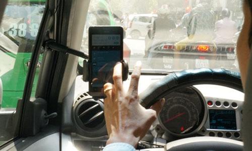 taxi-doi-cong-bang-voi-uber-grab