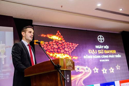 Ông Torsten Velden  Tổng Giám Đốc Công ty Bayer Việt Nam phát biểu khai mạc tại Ngày hội Đại sứ Bayer ngành Cà phê