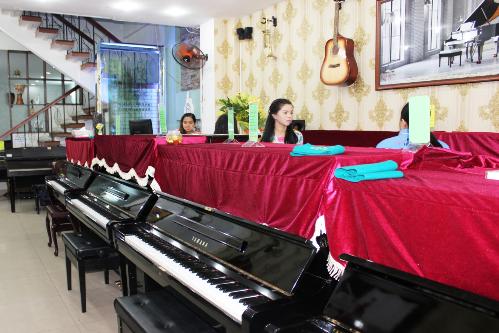 nhac-cu-chinh-hang-chat-luong-tai-piano-le-quan-1